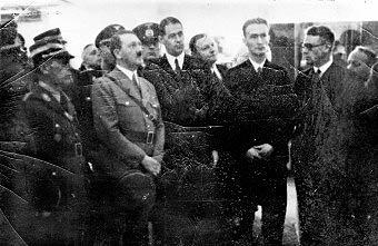 Совет директоров Farben IG принимает Гитлера